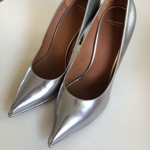 Givenchy Silver Patent Pumps Size 39